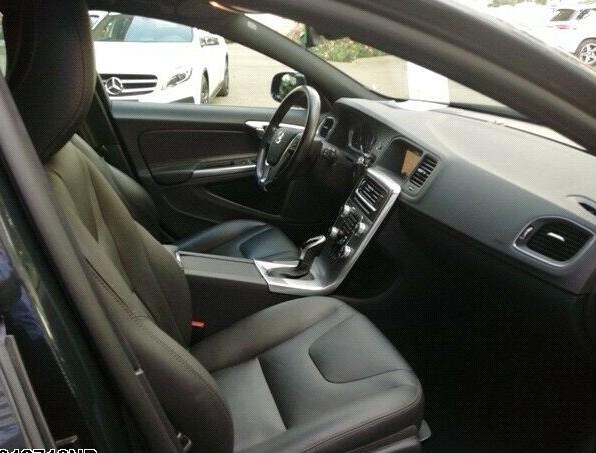 Volvo V60 Cross Country Summum D4 AWD Navi Kamera SHZ3 INTPAS