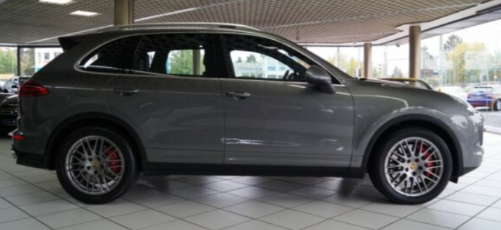 Porsche cayenne turbo 2015 png droit