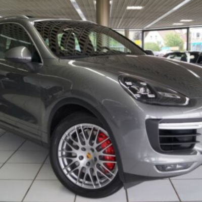 Porsche Cayenne Turbo / SPORT-CHRONO /20